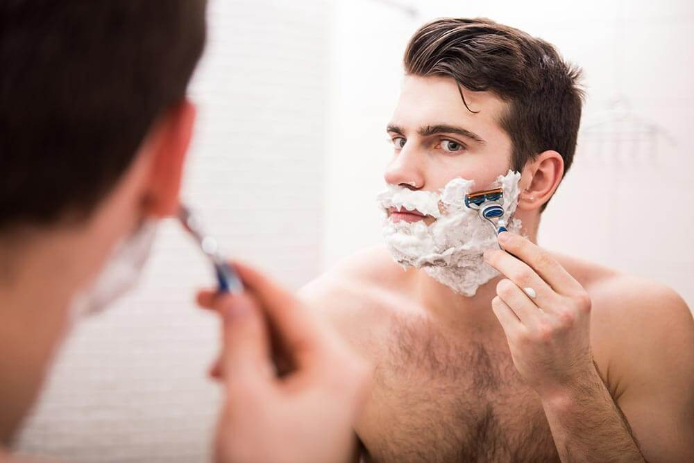 Why a gentlemen's skin facial is great for razor burns and clogged pores